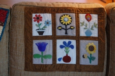 02 14 2018 auction quilts 005