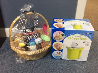 Ice Cream Maker & Ice Cream Basket